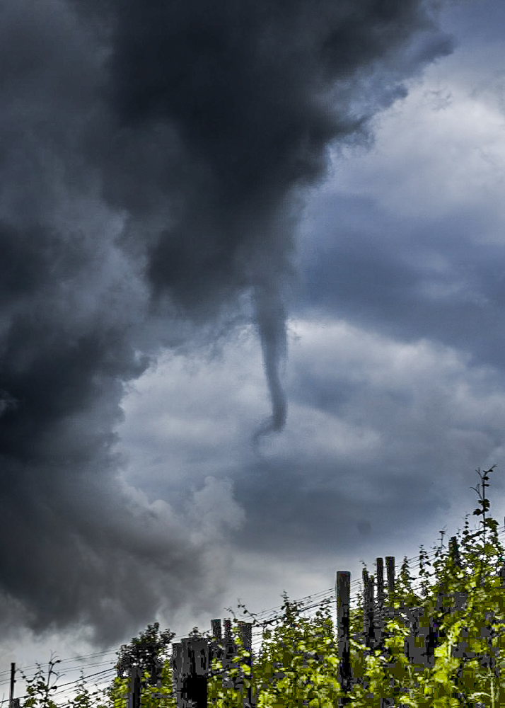 20160701 Funnel cloud severno od Maribora 27.6.2016 1
