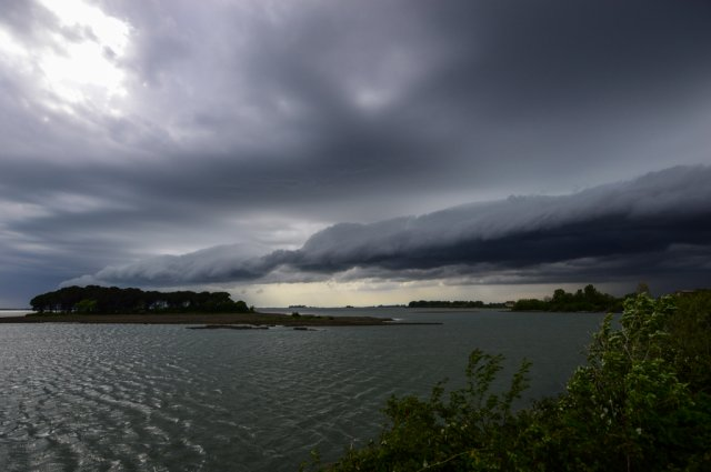 Shelf cloud Gradež 27.4.2016 Matic Cankar