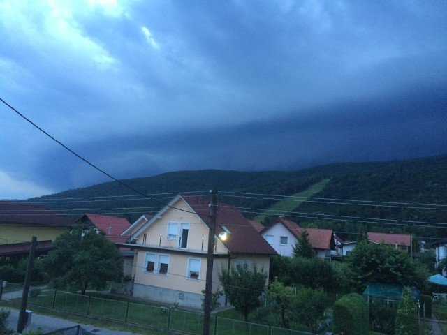 Shelf cloud Radvanje pod Pohorjem 14.6.2015 Rene Brečko