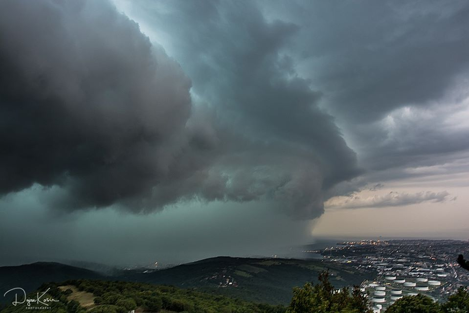 shelf cloud pogled z socerba 3.8.2020 dejan kosir 3